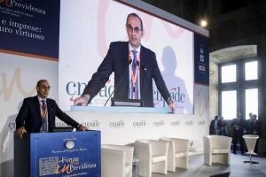 Il presidente di CNPADC, Walter Anedda durante il ''Forum 2008 in Previdenza'' organizzato dalla CNPADC (Cassa nazionale di previdenza a assistenza dottori commercialisti), Roma 19 aprile 2018. ANSA/FABIO FRUSTACI